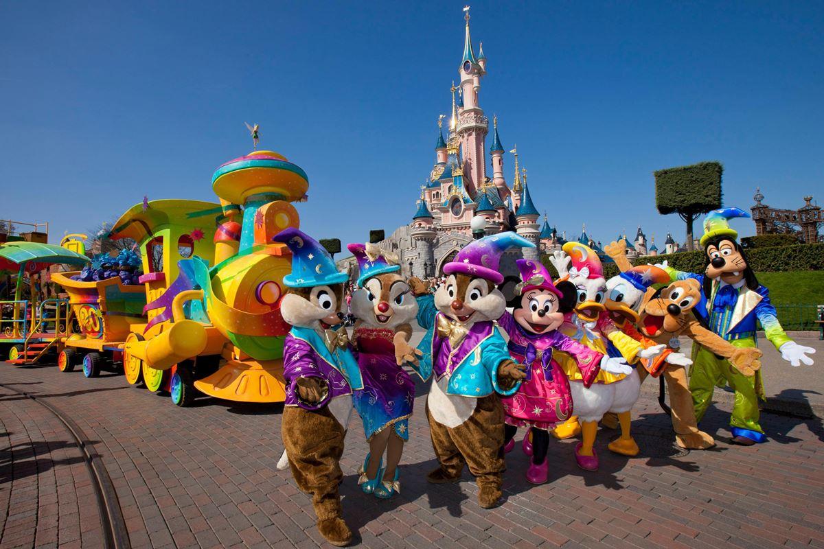 Ce hacker a piraté les bornes de Disneyland Paris pour ne plus faire la queue