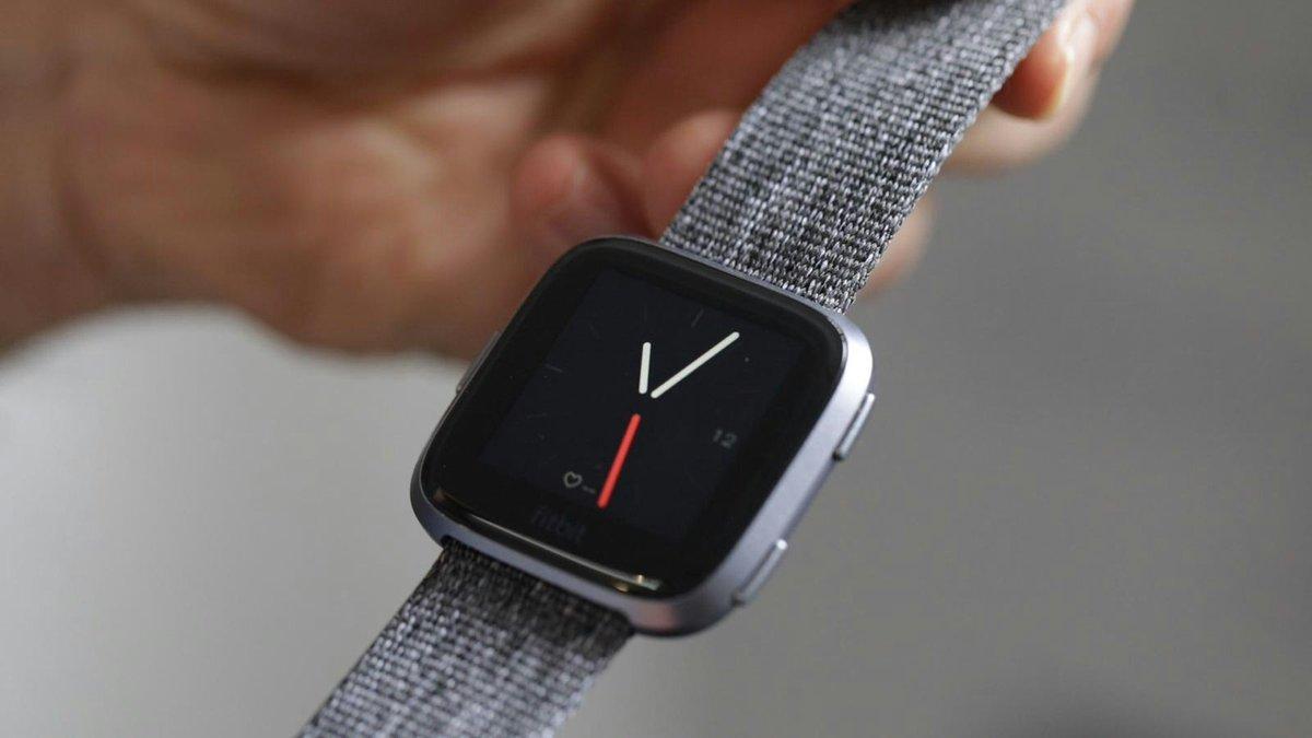 guide d 39 achat objet connect les meilleures montres connect es de 2018. Black Bedroom Furniture Sets. Home Design Ideas