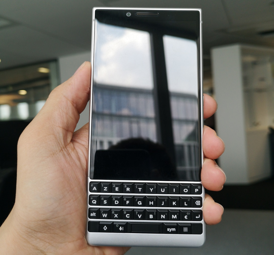 Le BlackBerry KEY2 est plus facile à manier