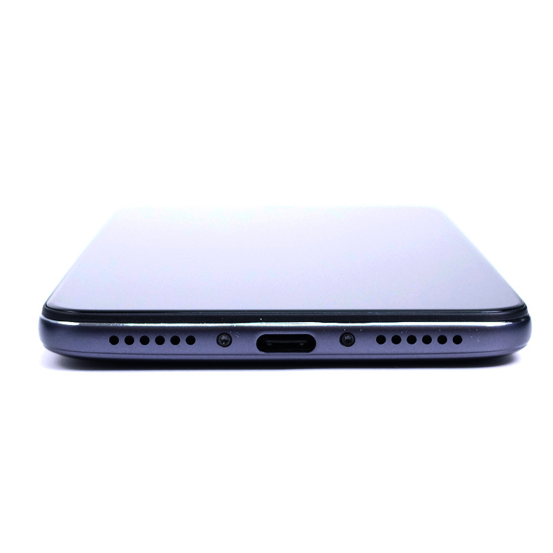 pocophone f1 image 8 - Xiaomi Pocophone F1 : 6 pouces, Snapdragon 845, 6 Go de RAM pour moins de 450 euros !