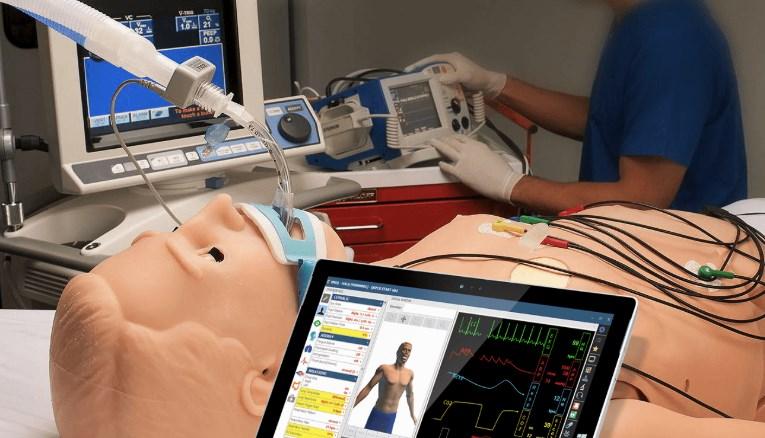 Hal, le robot qui saigne et pleure conçu pour entraîner les futurs médecins