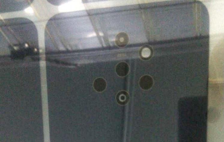 Nokia préparerait un smartphone avec 5 capteurs photo au dos de l'appareil