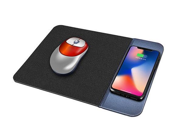 Découvrez le tapis de souris capable de recharger votre smartphon