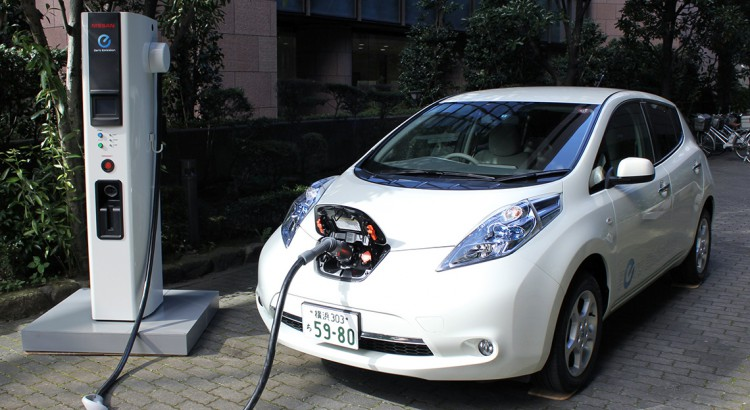 Voiture électrique : une nouvelle batterie de 800 km d'autonomie qui se recharge en 1 minute