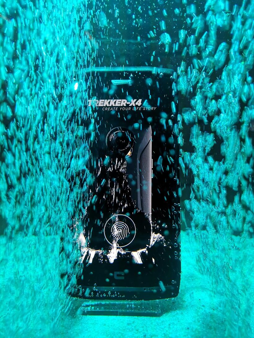 Test Crosscall Trekker X4 4 - [ Prise en main ] Crosscall Trekker-X4 : le premier smartphone à intégrer une action cam