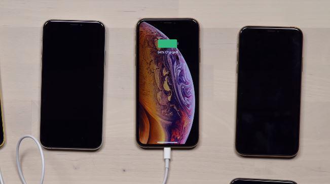 Aïe, les iPhone Xs et Xs Max ne se rechargent plus en veille