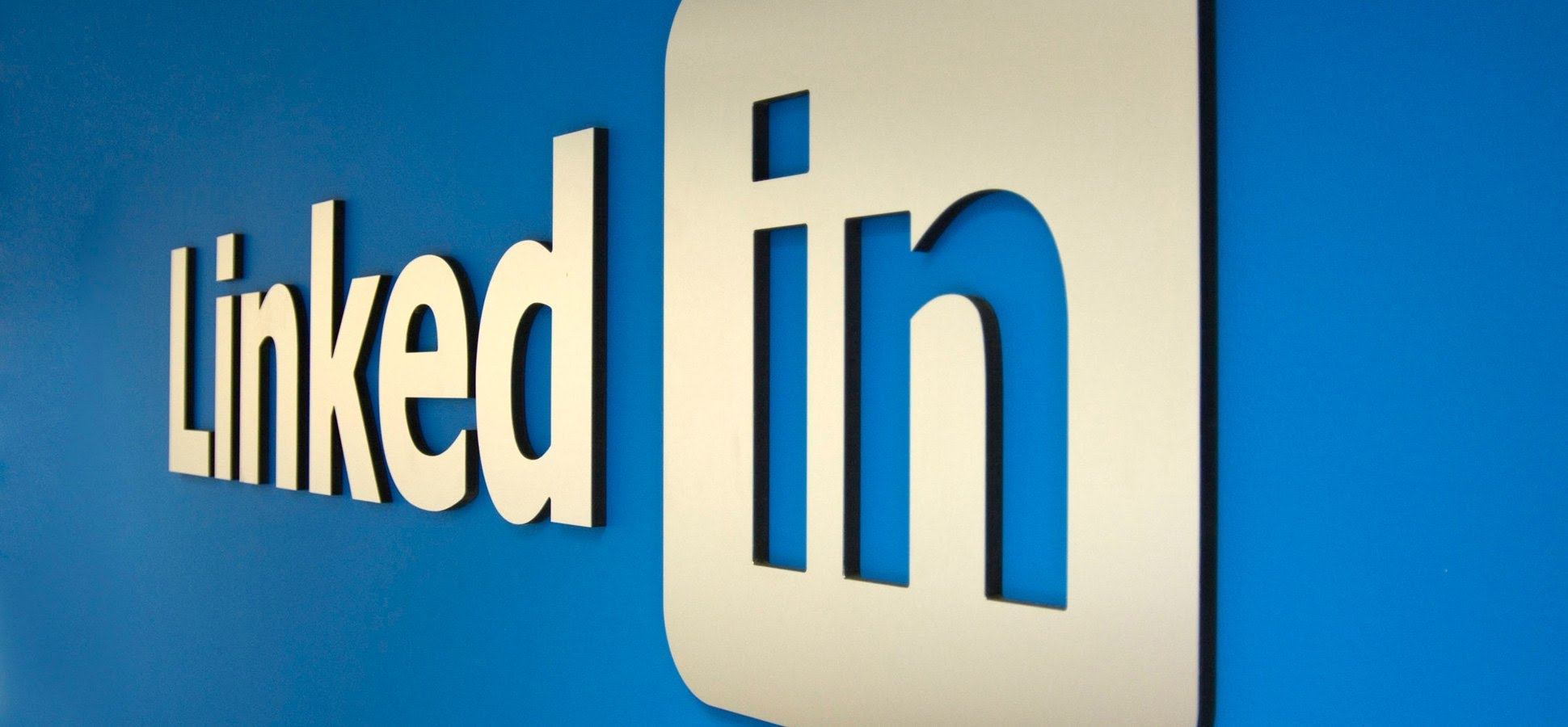 LinkedIn accusé d'avoir acheté 18 millions d'adresses mail pour de la publicité ciblée sur Facebook