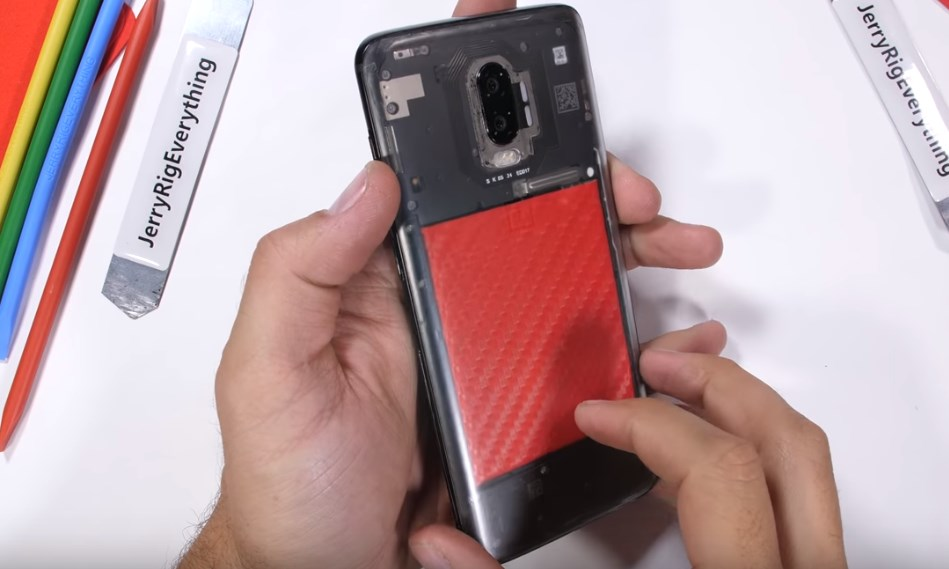 Un OnePlus 6T au dos transparent, cela vous plait-il?