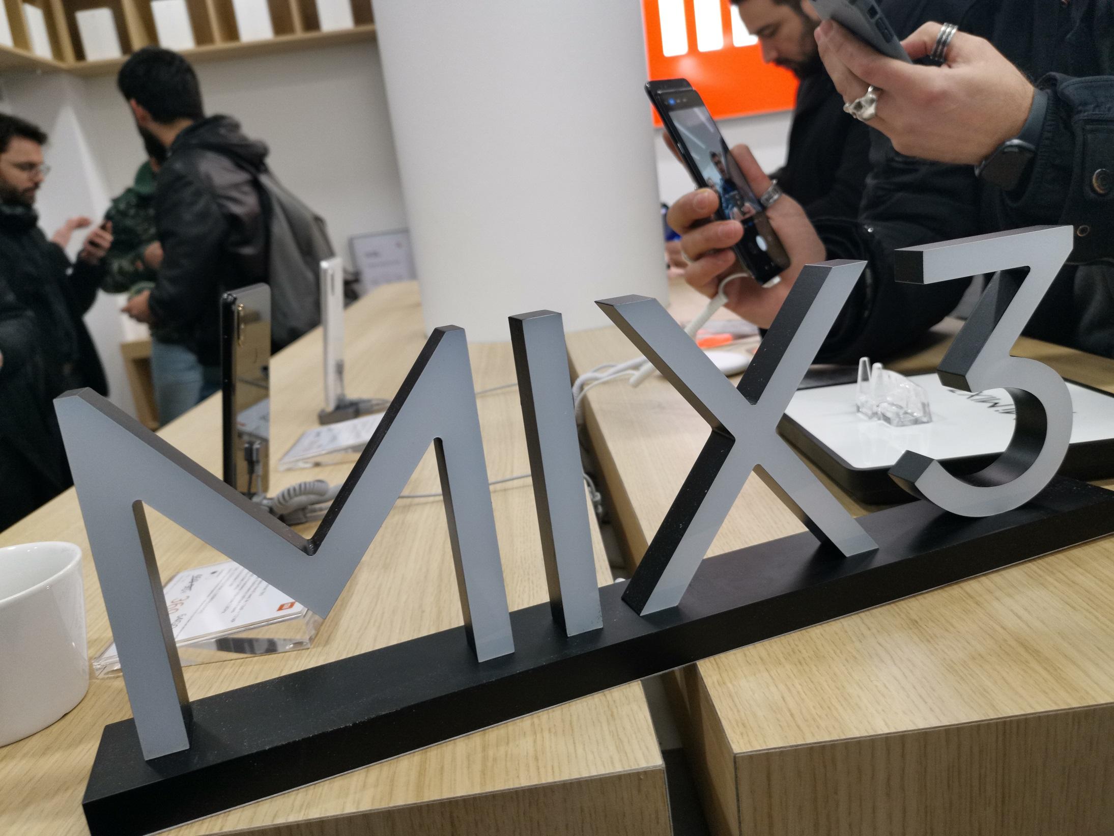Voici le nouveau Mi Store de Xiaomi aux Champs-Élysées !