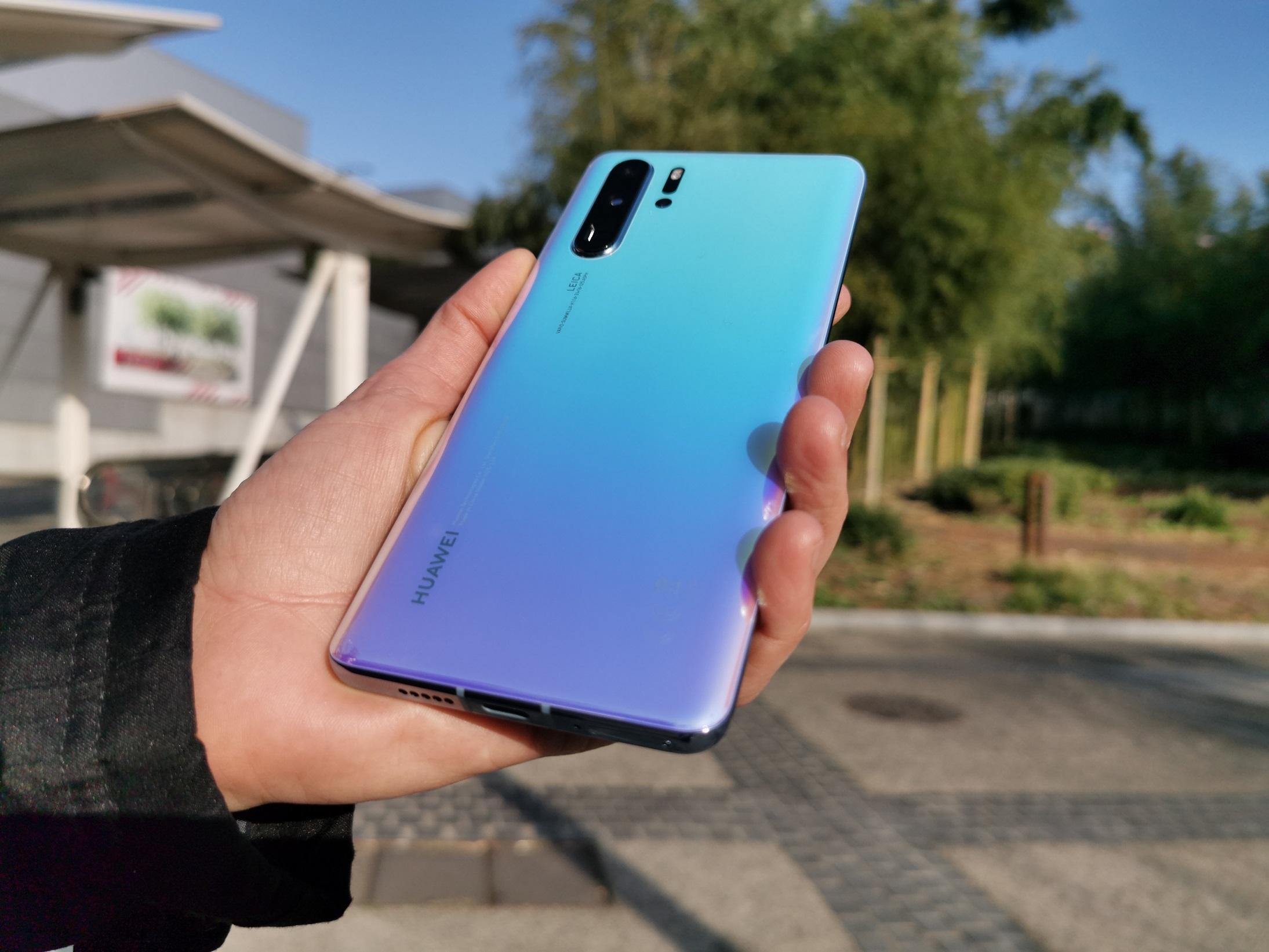 Les smartphones de Huawei n'acceptent plus de cartes microSD