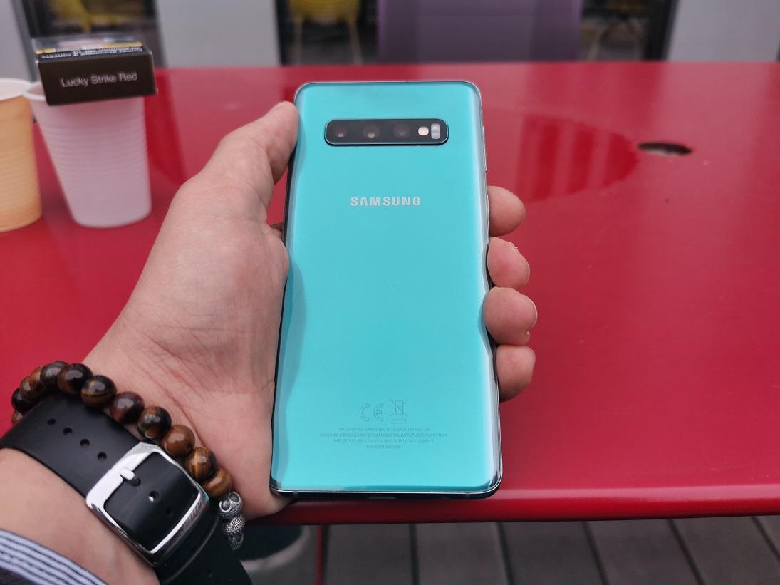 Samsung Galaxy S10 : bientôt un mode Nuit dans l'appareil photo