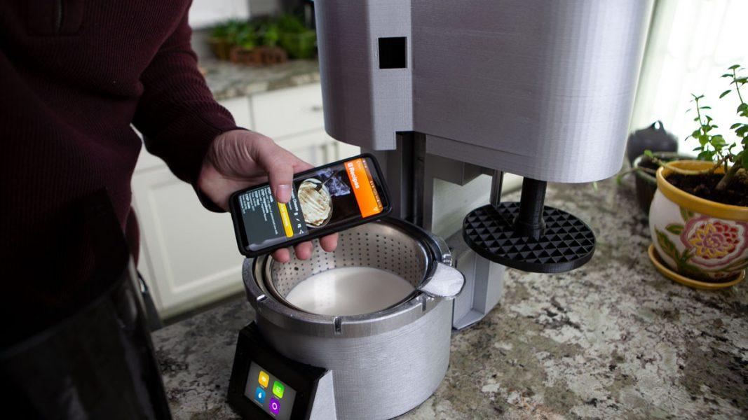 Découvrez Fromaggio, la machine connectée qui vous permet de produire du fromage