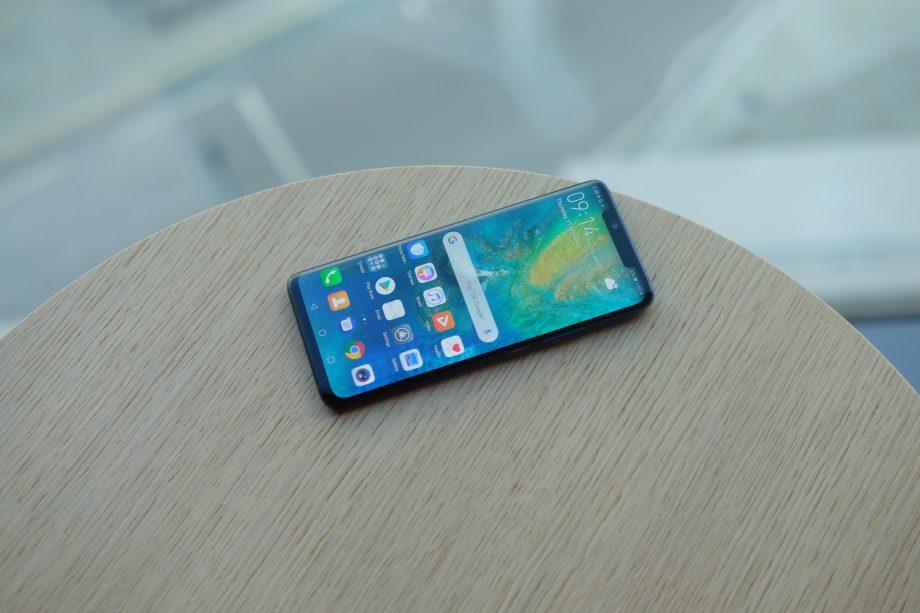 Bon plan : le Huawei Mate 20 Pro bleu à 500 euros pendant le Prime Day d'Amazon