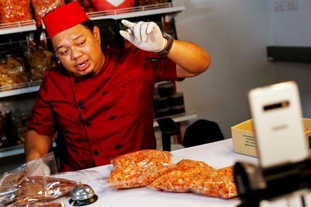 Un Thaïlandais se sert de Facebook pour vendre des crevettes et ça marche bien