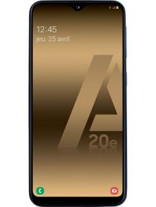 telephone samsung galaxy a20e bleu 7233 1 226x300 - Comparatif : les meilleurs smartphones du mois de juin sur MeilleurMobile