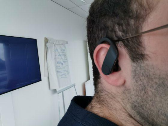 Beats Powerbeat Pro ergonomie 560x420 - [ Test] Beats Powerbeats Pro : les meilleurs AirPods sur tous les plans