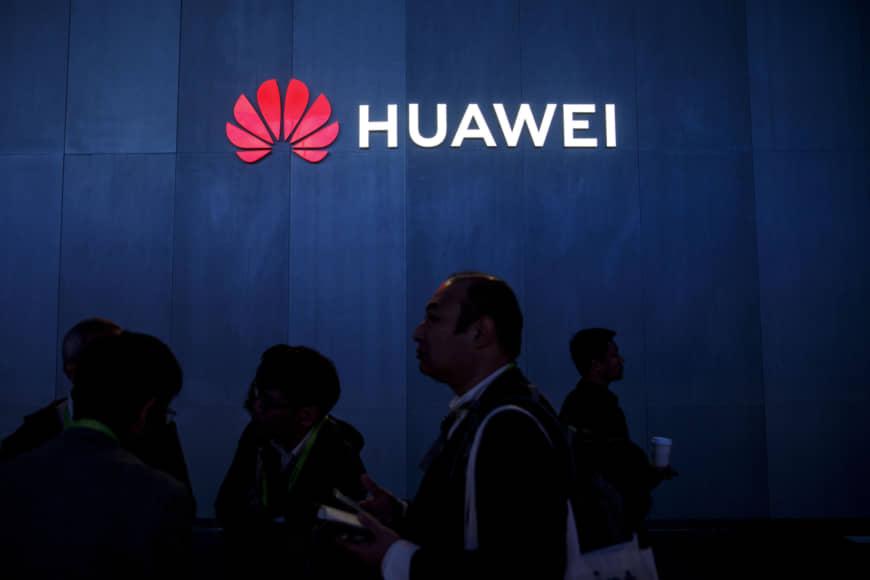 n huawei a 20190515 870x580 - Huawei porte plainte contre deux spécialistes français pour diffamation