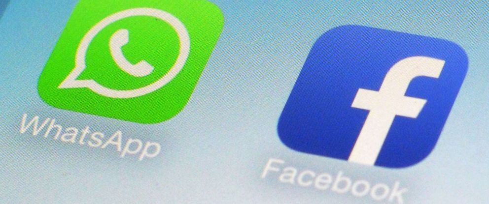 AP Facebook WhatsApp Privacy MEM 160829 hpMain 2 12x5 992 - Facebook accuse Apple d'être fautif du piratage du WhatsApp du patron d'Amazon