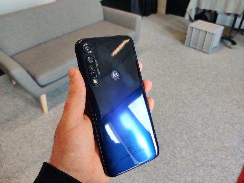Motorola Moto G8 Plus dos