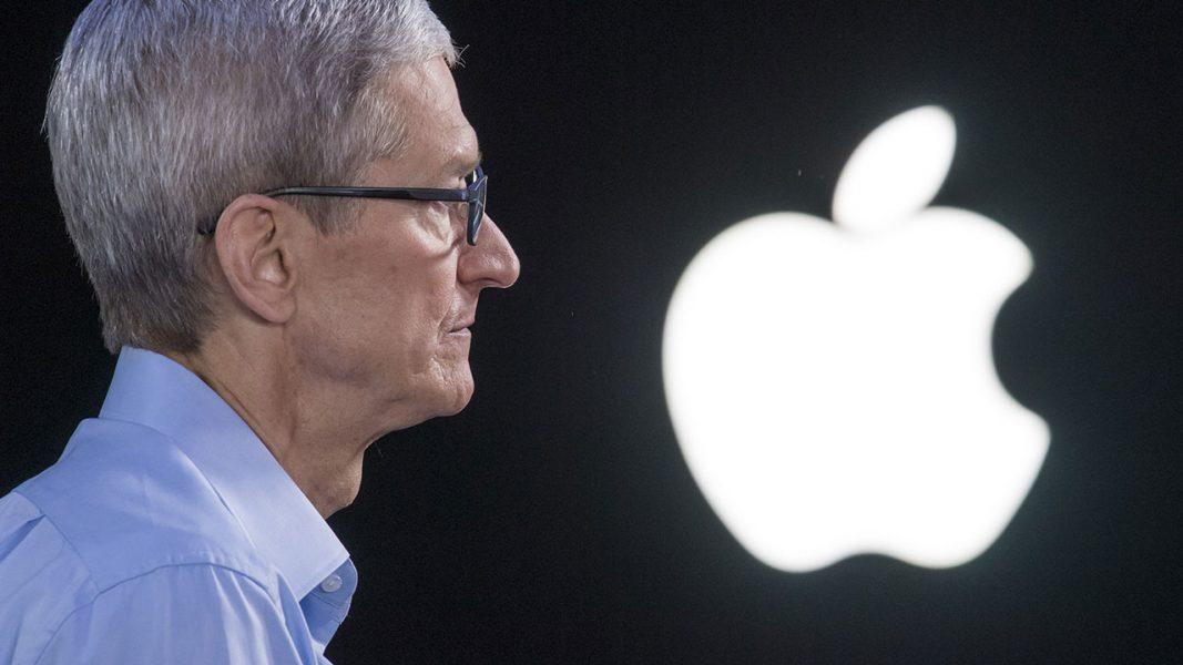 Tim Cook 1067x600 - Apple annule son événement prévu fin mars