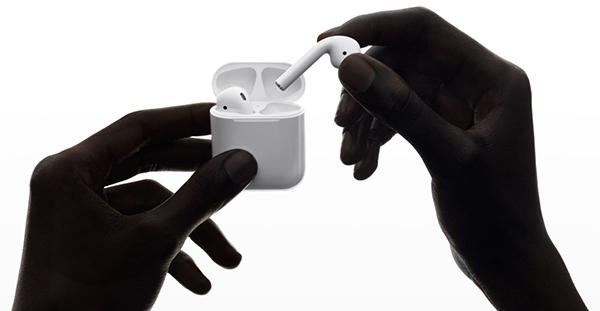 apple airpods ecouteurs true wireless 1 - True wireless : l'ascension des écouteurs sans fil