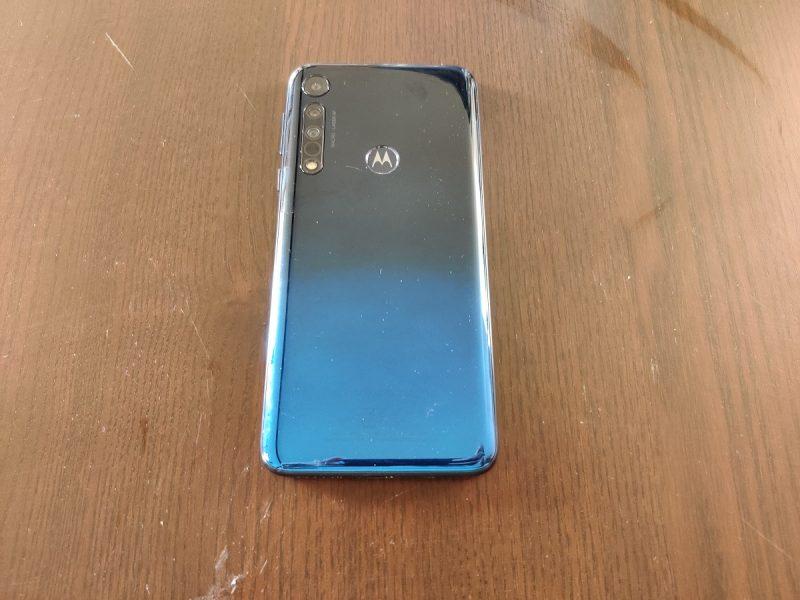 Motorola One Macro dos