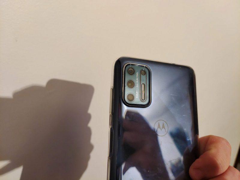 Moto G9 Plus dos 800x600 - Test du Motorola Moto G9 Plus : la gamme progresse à vue d'oeil