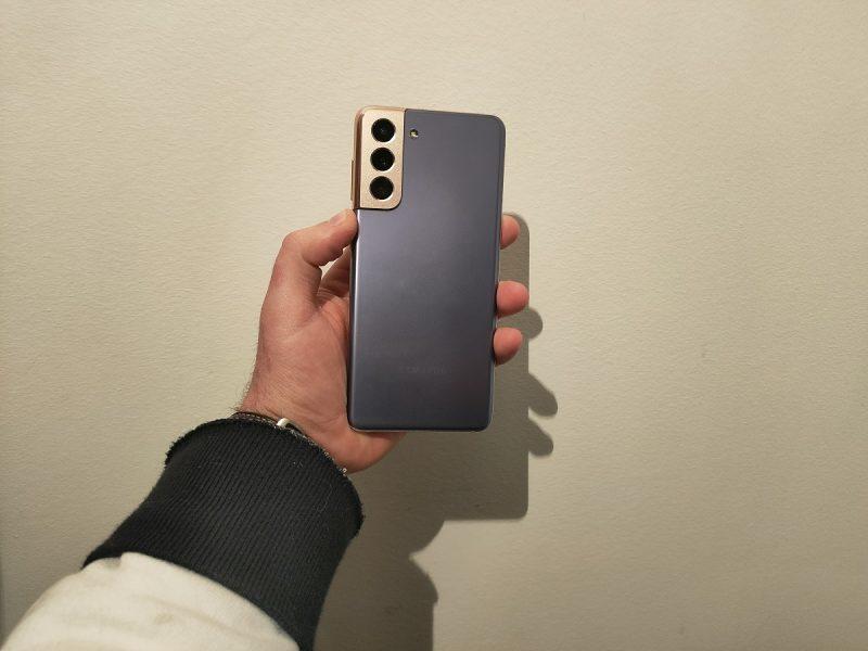 Samsung Galaxy S21 design 1 800x600 - French Days 2021 : les meilleures offres smartphones du jour