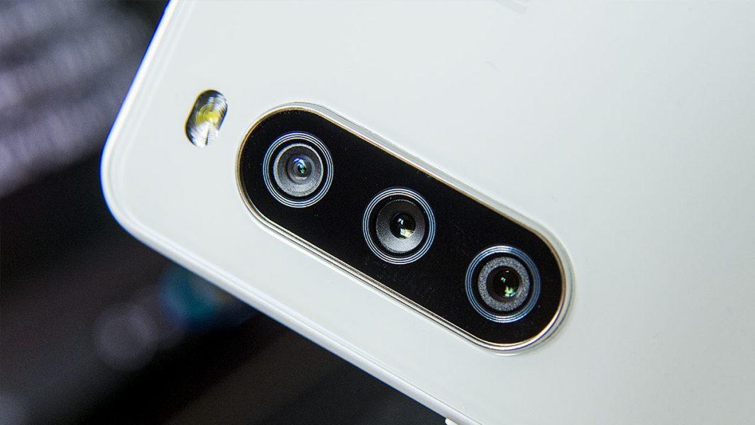 Sony Xperia 10 III apn 1064x600 - Test du Sony Xperia 10 III : le smartphone du quotidien encore un peu à la traîne