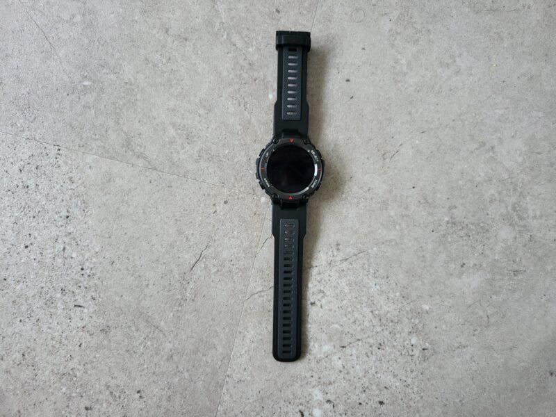 20210927 110839 800x600 - Test de la Huami T-Rex Pro : la montre connectée aux dents longues