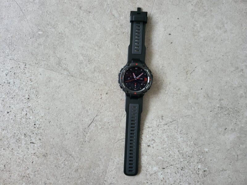 20210927 110843 800x600 - Test de la Huami T-Rex Pro : la montre connectée aux dents longues